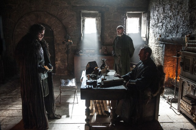 Stannis_Baratheon_in_Castle_Black_with_Jon_Snow