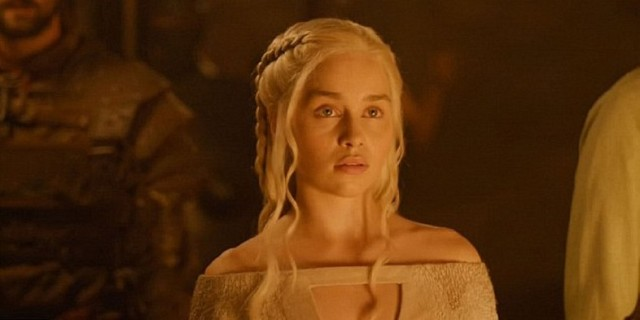 Emilia-Clarke-as-Daenerys-Targaryen-in-Game-of-Thrones-Season-5-Kill-the-Boy