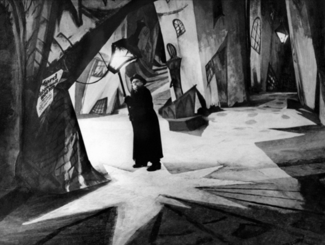 1118full-the-cabinet-of-dr.-caligari-screenshot