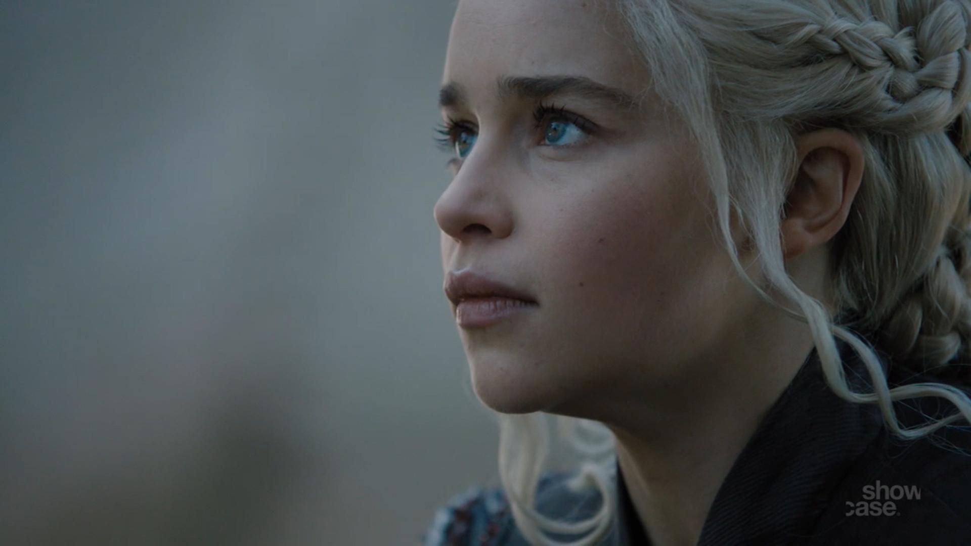 Game of thrones season 7 episode 1 dragonstone film for Daenerys jewelry season 7